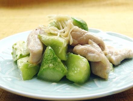半白きゅうりと大和肉鶏の炒め物 新生姜の風味