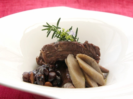 宇陀金ごぼう、煎り黒豆、スペアリブの赤ワイン煮