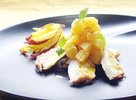 ヤマトポークソテー 柿のソース