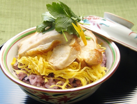 古代米と大和肉鶏の蒸し寿司
