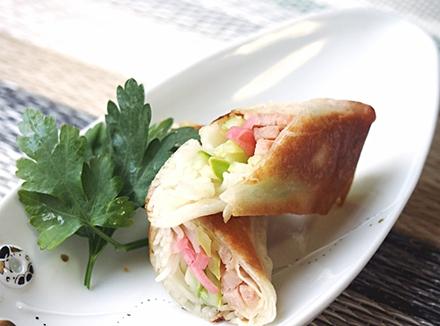 素麺と半白きゅうりのサラダ風春巻き
