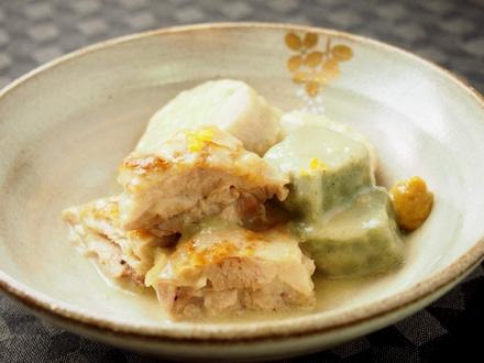 大和肉鶏と味間芋の煮込み 白味噌風味