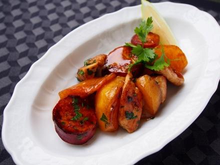 大和肉鶏・柿・サツマイモのソテー