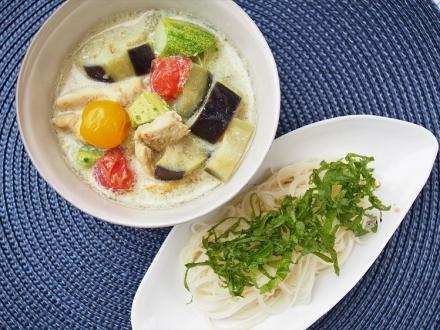 夏の大和野菜グリーンカレー つけ素麺